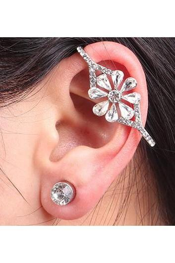 Free Shipping Fashion Crystal Decorated Metal Earring - Silver