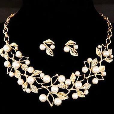 Free Shipping Rhinestone Decorated Leaf Shape Necklace Set - Gold
